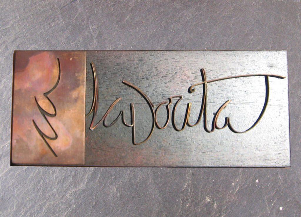 joia d'autor | placa de coure i fusta | disseny personalitzat | joia exclusiva CA LA DORITA