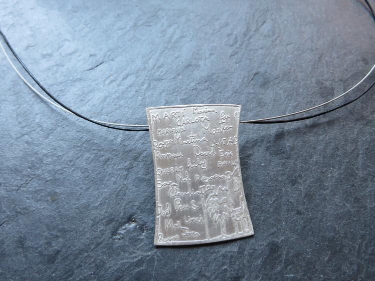 joia d'autor | penjoll de plata | disseny personalitzat | model NOMS ALUMNES