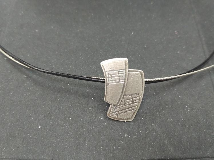 joia d'autor | penjoll de plata | gravat àcid | conjunt LALI
